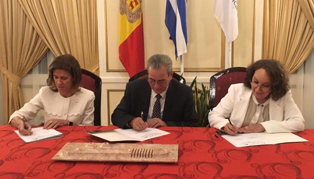 Signatura de la declaració conjunta.