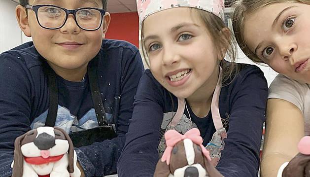 Els alumnes presenten els 'cupcakes'