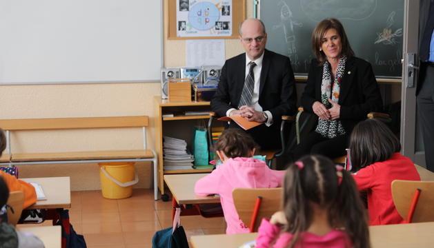 Jean-Michel Blanquer i Ester Vilarrubla han visitat les aules de l'escola francesa a Ciutat de Valls