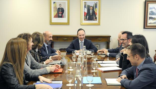 El cap de Govern ha presidit la reunió amb els ministres i els secretaris d'Estat