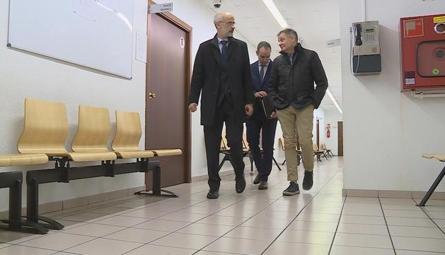 Martí, Alcobé i Saboya entren a la Batllia per declarar a la vista oral, ahir.