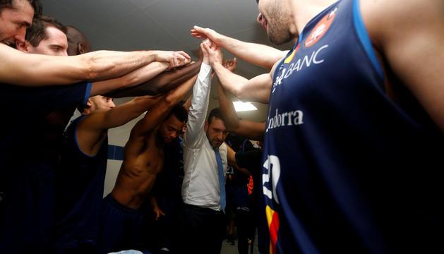 El MoraBanc celebra el triomf contra el Tenerife.