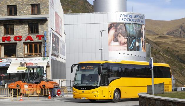 Un bus de l'4 al Pas de la Casa
