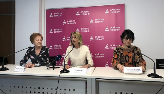 Inés Martí, la directora d'Unicef Andorra, Marta Alberch, i la vicepresidenta de Caritas andorrana, Canòlich Baró durant la presentació del balanç dels diners recaptats