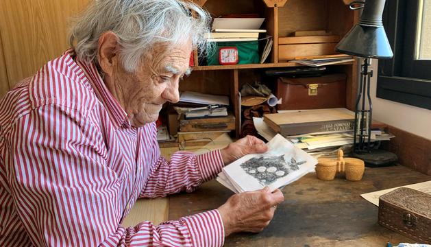 El pintor lauredià Sergi Mas en el projecte que està treballant.