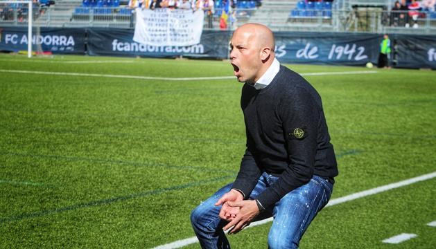Gabri en el partit de diumenge passat, l'últim d'entrenador de l'FC Andorra