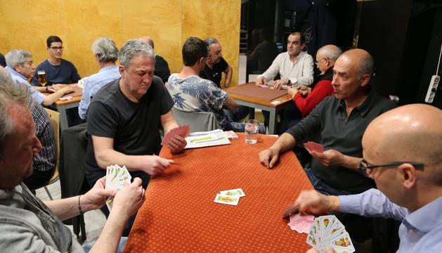 Participants del Campionat de botifarra de cartes