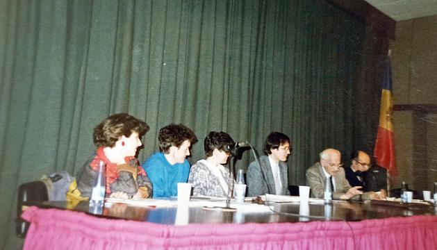 Signatura del conveni el 1985.