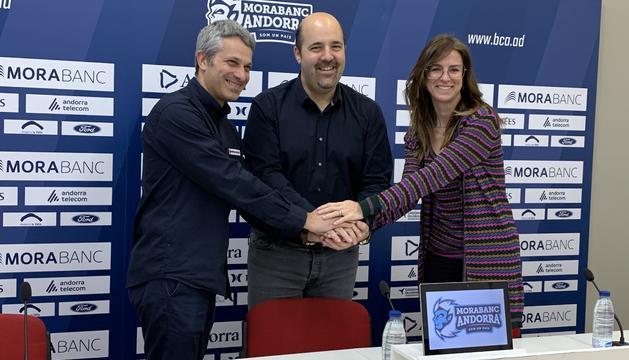 Jordi Fernández, Gorka Aixàs i Sílvia Riva, en la presentació de la nova campanya.