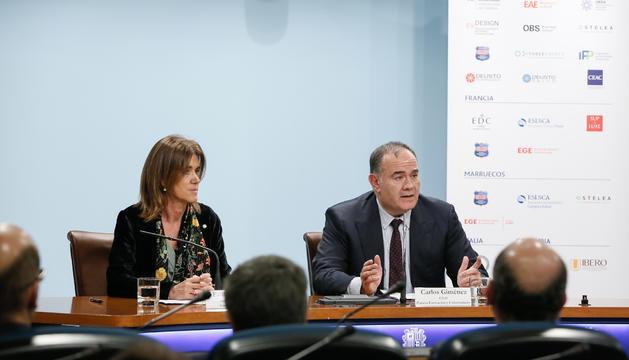 Ester Vilarrubla  i el CEA de Planeta Universidades, Carles Giménez, durant la presentació de la nova Universitat Carlemany