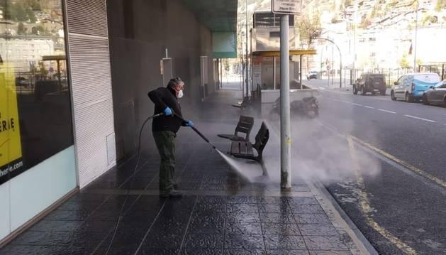 Desinfecció dels carrers a Escaldes