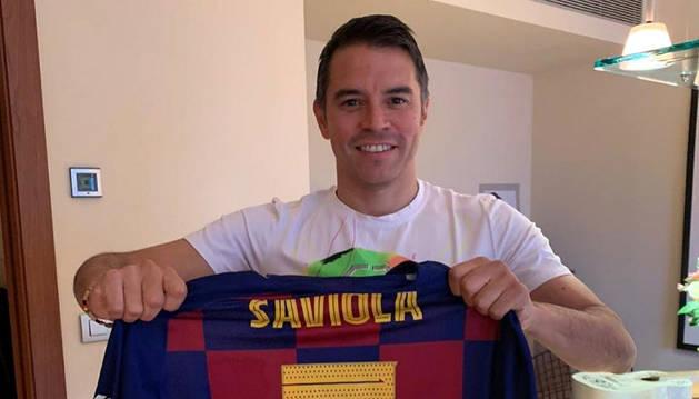 Javier Saviola amb la samarreta dels Barça Legends.