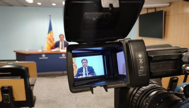 El ministre Eric Jover durant la roda de premsa d'aquest vespre