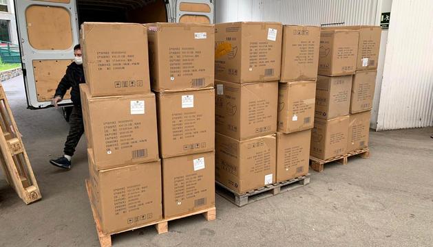 Arriben 70.000 mascaretes de xina