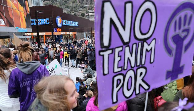 Manifestació feminista del dia de la dona.
