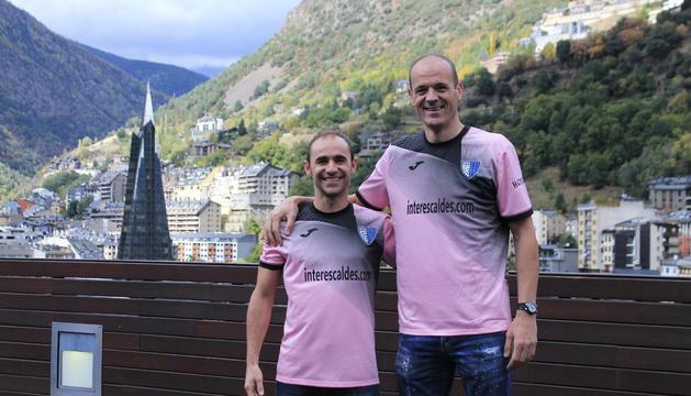 Els futbolistes Ilde Lima i Juli Sànchez, impulsors de Gol Solidari.