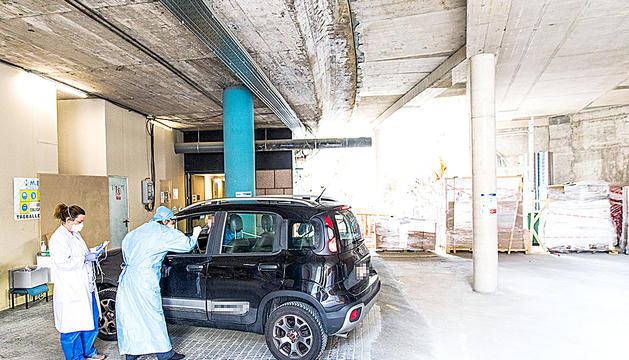 Exàmens al centre intermedi de control (CIC) de l'hospital de Meritxell.