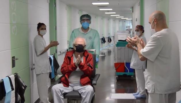 En Miquel torna a casa després de rebre l'alta de l'hospital