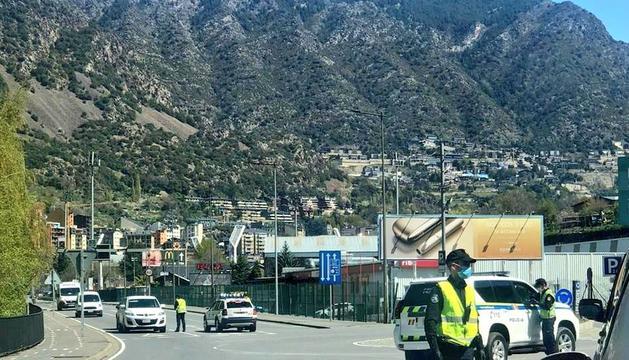 La policia realitza més controls a la carretera arran de l'augment de circulació