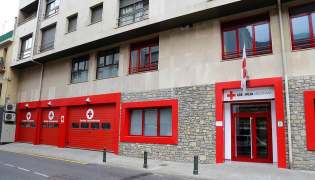 Imatge de l'exterior de l'edifici de la Creu Roja.