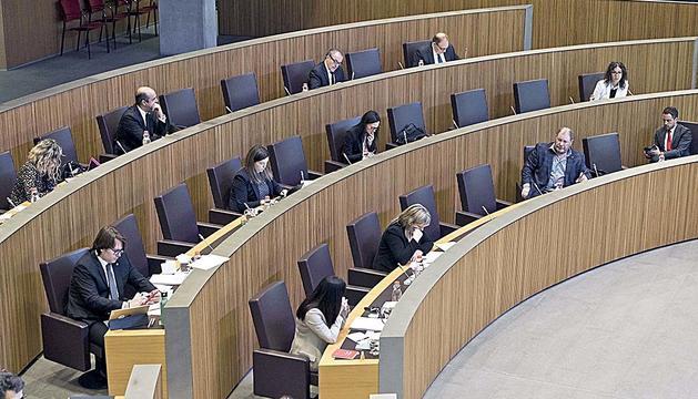 Parlamentaris de la majoria i de l'oposició al Consell General.