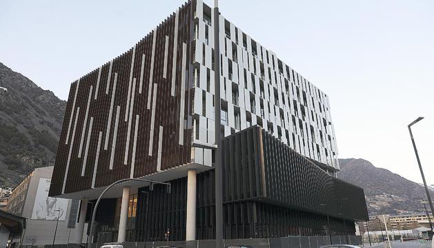 L'edifici de la nova seu de la justícia, a la zona del Prat del Rull de la capital.