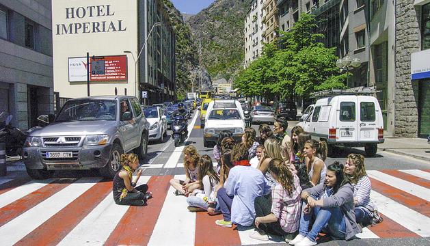 La seguda que es va organitzar davant del ministeri.