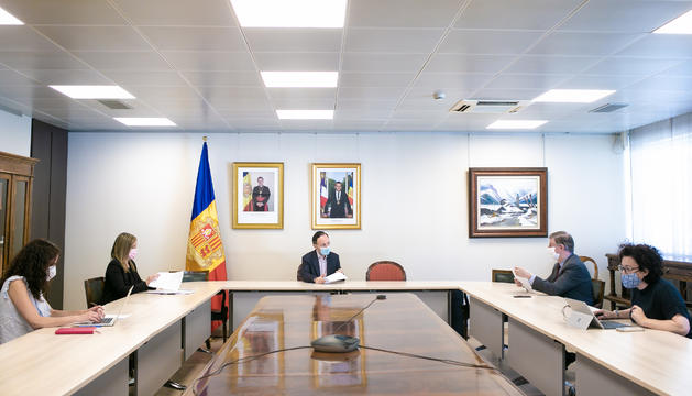 El cap de Govern i la ministra de Funció Pública amb el president i la vicepresidenta del CSJ, Enric Casadevall i Maika Torres