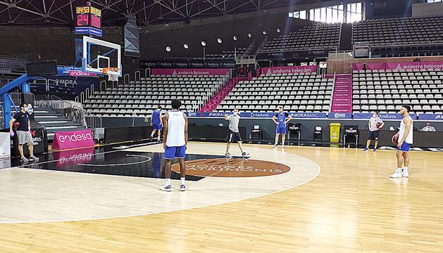 El MoraBanc Andorra va tornar a entrenar ahir en grups reduïts.