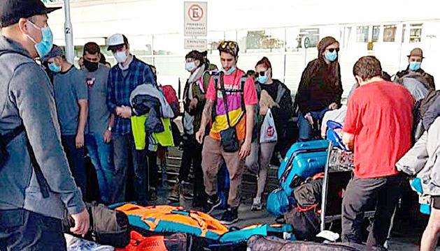 Un dels viatges de repatriació de temporers argentins