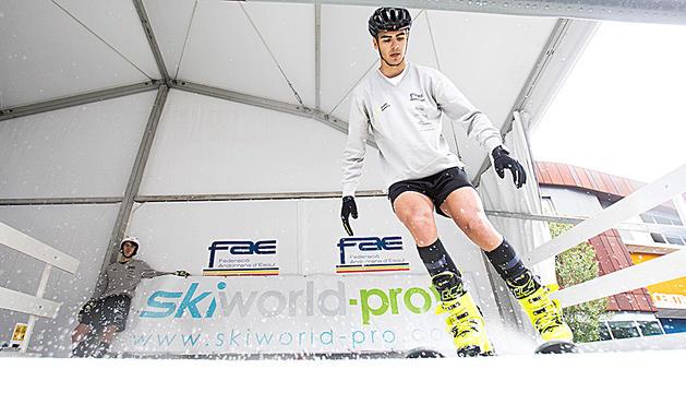 La FAE presenta el simulador d'esquí