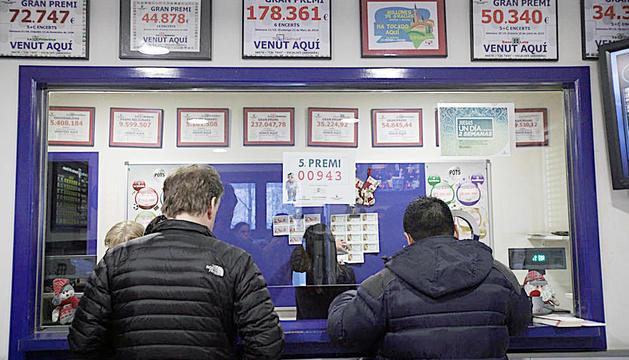 Una de les administracions de loteria que hi ha a Andorra.