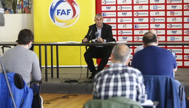 El president de la FAF durant la roda de premsa