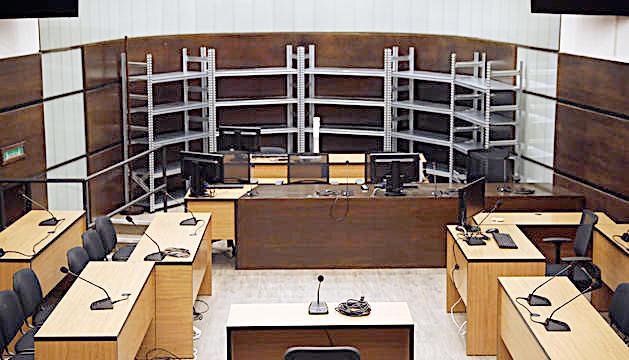 El Tribunal de Corts està celebrant les vistes a Prada Casadet.