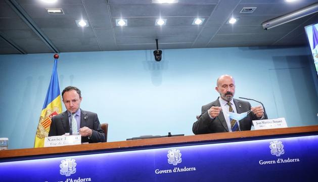 Xavier Espot i Joan Martínez Benazet durant la roda de premsa d'avui
