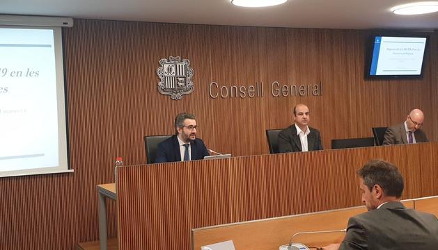 Eric Jover en la compareixença al Consell General