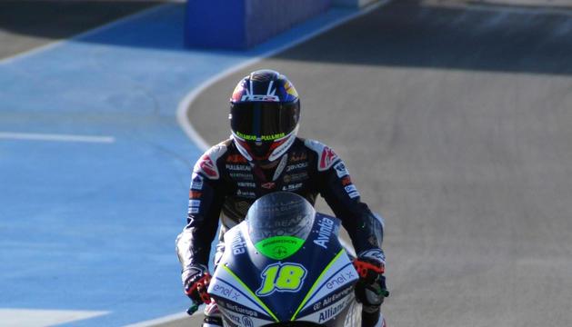 Xavi Cardelús durant un test de Moto E.