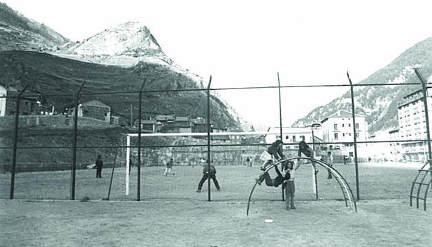 Els terrenys eren un camp de futbol.