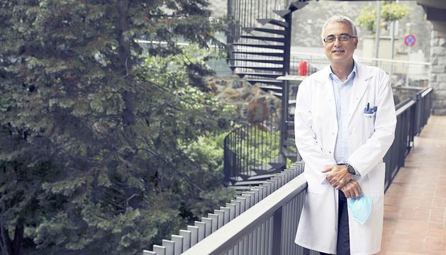 El doctor Marcel Prats remarca la importància de no abaixar la guàrdia amb el virus.