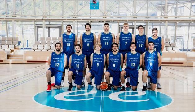 Els jugadors d'aquesta temporada del sènior B del MoraBanc.