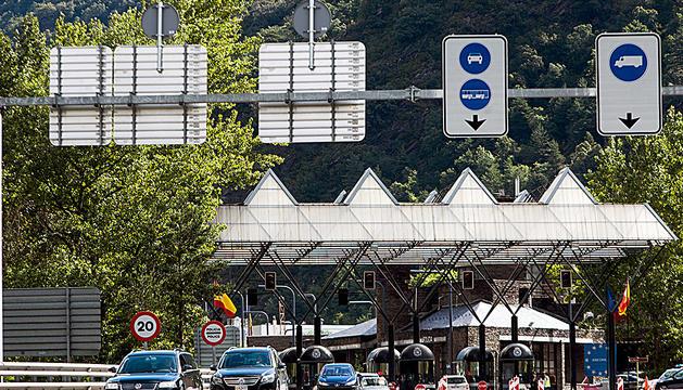 La duana espanyola permet l'entrada a territori català des del divendres passat.
