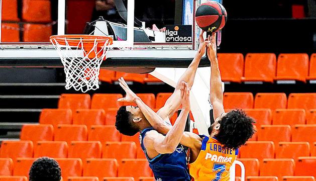 El MoraBanc cau contra el València (74-90)