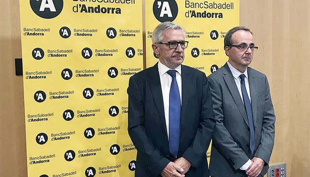 El president de l'entitat, Miquel Alabern, i el conseller director general, Josep Segura.
