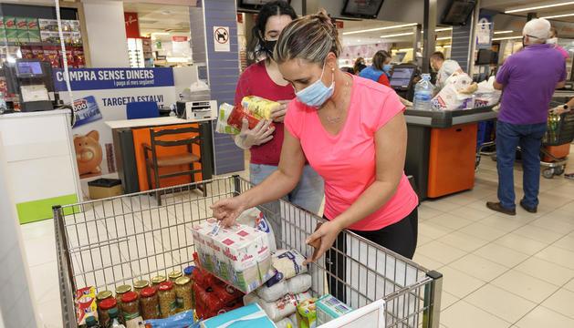 Creu Roja col·lecta més de vuit tones en la recollida d'aliments