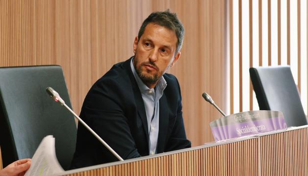 Pere López demana detalls sobre l'acord entre Crèdit Andorrà i Assegur