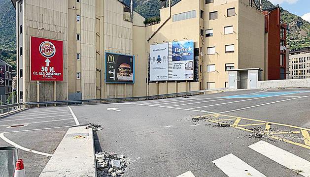 Ahir ja no es permetia l'accés a l'aparcament.