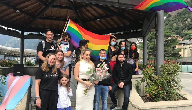 La celebració de l'orgull LGTBIQ+ a la plaça del Poble
