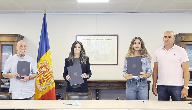 Signatura del conveni.
