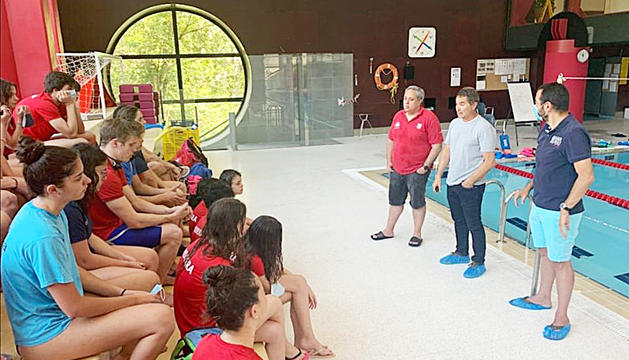Clotet es va dirigir als membres dels equips de natació.