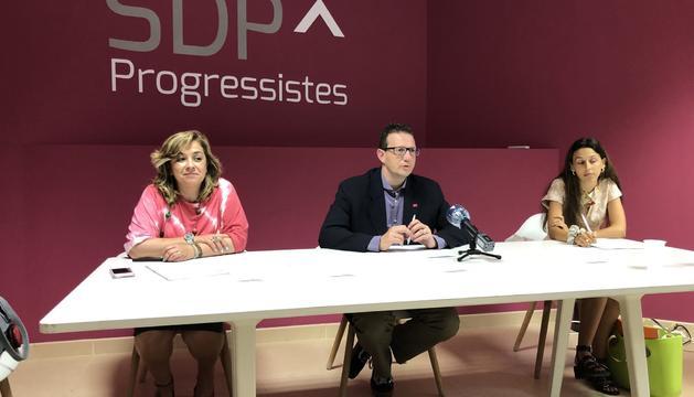 Els representants d'SDP durant la roda de premsa